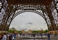 Париж, прибытие и прогулка к Эйфелевой башне_9